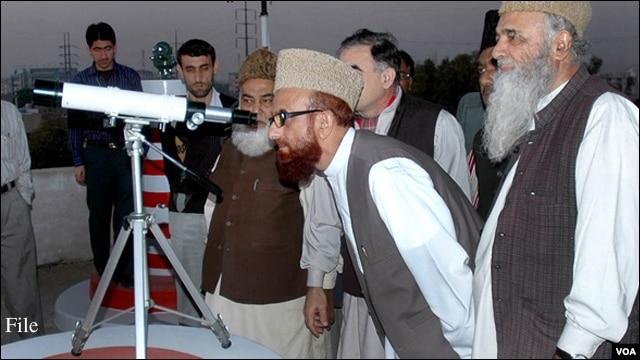 پاکستان میں رمضان کا چاند نظر آگیا ہے