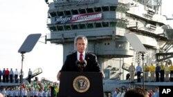 جورج بوش پایان بخش اصلی جنگ با عراق را اعلام می کند، اول مه ۲۰۰۳