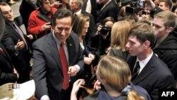 Cumhuriyetçi Adaylardan Santorum Anketlerde Öne Geçti