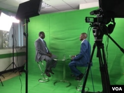 Raila Odinga, former Kenyan prime minister and current opposition leader, speaks with VOA Swahili reporter Kennedy Wandera and Jill Craig in the new VOA studio about recent protests and anti-electoral commission sentiment among his supporters, Nairobi, May 24, 2016.