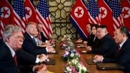 Ông Trump nói ông không bàn về giảm tập trận với ông Kim