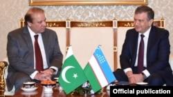 وزیر اعظم نواز شریف ازبکستان کے وزیر اعظم شفقت مرزیا سے ملاقات میں