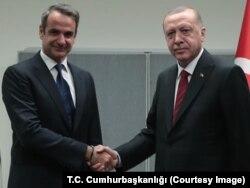 (ARŞİV) Cumhurbaşkanı Erdoğan ve Yunanistan Başbakanı Miçotakis