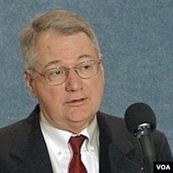 Stephen Brobeck