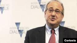 Michael Shifter dialoga sobre la Carta Democrática Interamericana