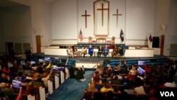 民主黨總統參選人希拉里-克林頓 2016年2月23日在南卡羅萊納州一間浸信會教堂舉辦論壇