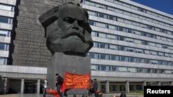 Пам'ятник Карлу Марксу у центрі Хемніца