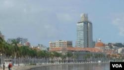 Luanda, ibukota Angola (foto: dok). Pesawat Mosambik yang seharusnya mendarat di Luanda tidak muncul Jumat sore 28/11.