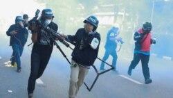 泰國抗議新冠病毒處理方式演變成警民衝突