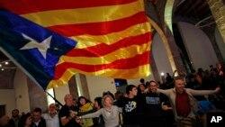 Katalonî li Barselona encamên hilbijartinê pîroz dikin