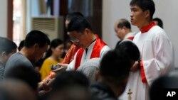Một buổi lễ tại một nhà thờ Trung Quốc dịp lễ Phục sinh