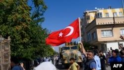 رجب طیب ایردوان کا کہنا ہے کہ ترکی پر عائد پابندیوں اور روس نواز شامی فورسز کی ترک سرحد کے قریب گشت کا اُنہیں کوئی خوف نہیں ہے۔