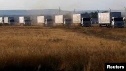 Para demonstran di Ukraina menuntut pemblokiran truk-truk dari Rusia (foto: ilustrasi).