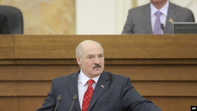 Belarussian President Alexander Lukashenko addresses the Parliament during an annual state of the nation speech in Minsk, April 21, 2011