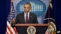 1일 바락 오바마 미국 대통령이 백악관에서 오리건 주 총격 사건과 관련하여 기자회견을 하고 있다.