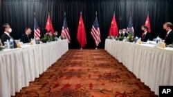 3月美中阿拉斯加會談上。