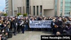 25 Mart 2021 - Cumartesi Anneleri'nin 700'üncü hafta protestosunda gözaltına alınan 46 kişinin davasında ilk duruşma yapıldı