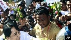 버마의 민주주의 아이콘 아웅 산 수치 여사