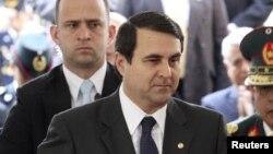 De acuerdo con la constitución, ni Fernando Lugo ni Federico Franco, en la foto, pueden pugnar por la reelección.