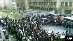 Các trang web của phe đối lập ở Iran cho hay hơn 1.000 sinh viên đã tham gia một số cuộc biểu tình chống chính phủ trong tuần này.