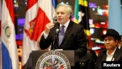 Sekretè Jeneral OEA a, Luis Almagro, ki te pran lapawòl devan asanble a nan okazyon 49èm Somè Dèzamerik la nan Medellin, Kolonbi.