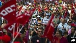 스페인 마드리드에서 긴축정책에 반대해 벌어진 노조 시위.