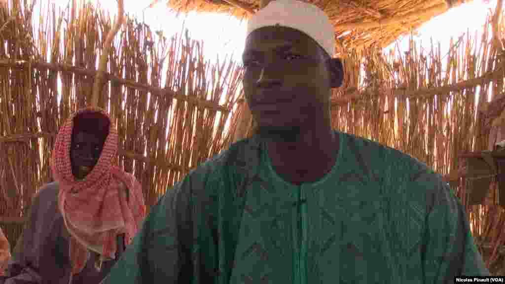 Malam Boukar un des représentants des réfugiés nigérians d'Assaga, Diffa, Niger, le 17 avril 2017 (VOA/Nicolas Pinault)