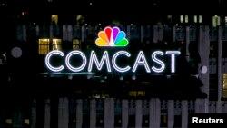 Comcast anunció el martes que ha ofrecido comprar al gigante de los medios europeo Sky en más de $17 dólares por acción