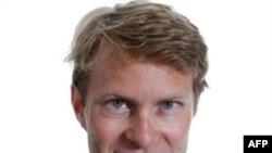 Thông tín viên tại Moscow cho tờ Guardian của Anh, ông Luke Harding, bị từ chối không cho vào Nga