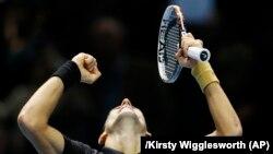 Novak Djokovic, en finale dimanche à Melbourne (AP)