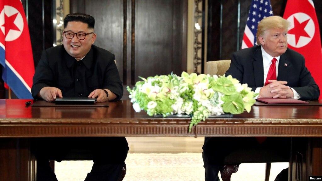 Tổng thống Trump đã có cuộc gặp lịch sử với nhà lãnh đạo Bắc Triều Tiên Kim Jong-un