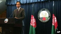 Afghanistan presidential spokesman Aimal Faizi addressing press conference regarding Wardak province, Kabul, Feb. 24, 2013.