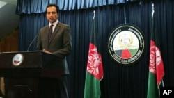 Afghanistan presidential spokesman Aimal Faizi addressing press conference regarding Wardak province, Kabul, Feb. 24, 2013.