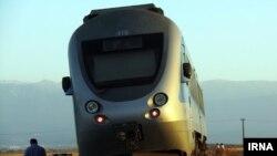 ჩრდილოეთ ირანში ორი მატარებელი ერთმანეთს შეეჯახა
