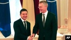 Президент Украины Владимир Зеленский и генеральный секретарь НАТО Йенс Столтенберг (архивное фото)