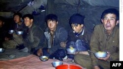 Bắc Triều Tiên lâu nay vẫn chật vật để nuôi ăn dân chúng.