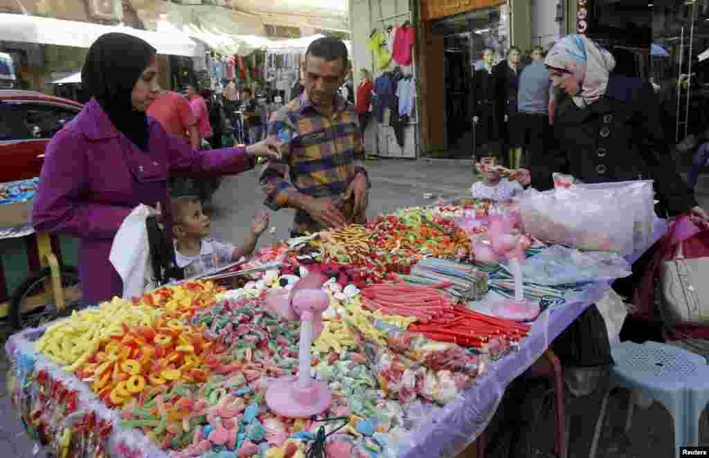 Falastinda ham bayram shukuhi hukmron, Nablus, 23-sentabr, 2015-yil.