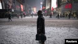 د نیویارک په ښار کې پنځه سانتي متره واوره اوریدلې ده. مخکې د ۵۰ سانتي متره واورې پیشبیني شوې وه