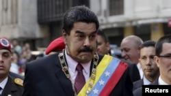 El presidente de Venezuela, Nicolás Maduro, dice que tiene pruebas de plan desestabilizador dirigido por el Comando Sur .