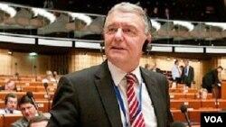 AŞPA-nın siyasi məhbuslar üzrə məruzəçisi Kristofer Ştrasser
