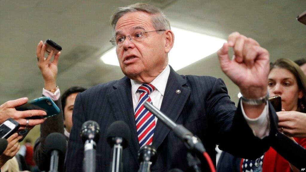 Top Senate Democrat Warns Trump Not to Lift Sanctions Against Russian Billionaire