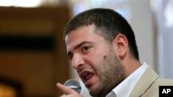 Devrik cumhurbaşkanının oğlu Usame Mursi basın toplantısında orduyu babasını kaçırmakla suçlarken