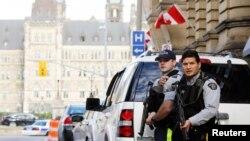 加拿大街头执勤的警察 (资料照片)