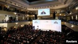 在德國參加星期五開幕為期三天的慕尼黑安全會議。