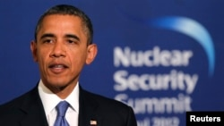 Tổng thống Hoa Kỳ Barack Obama phát biểu trong một cuộc họp báo chung với Tổng thống Lee Myung-bak của Hàn Quốc tại Nhà Xanh ở Seoul ngày 25 tháng 3 năm 2012.