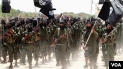 Según EE.UU. al-Suri opera bajo un acuerdo entre al-Qaeda y el gobierno de Irán y envía los terroristas reclutados a Pakistán y Afganistán.