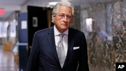 """Marc Kasowitz, an attorney for President Donald Trump, enters State Supreme Court in New York, Dec. 5, 2017. Kasowitz wrote a June 27, 2017, letter to Robert Mueller casting former FBI Director James Comey as """"Machiavellian."""""""