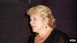 Racelle Weiman, direktur Dialogue Institute di Temple University, AS. (VOA/Alina Mahamel)