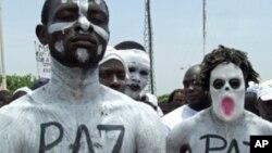 Manifestação pró-governamental em Luanda