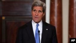 美國國務卿克里說,對俄羅斯經濟制裁會變得更加嚴厲。